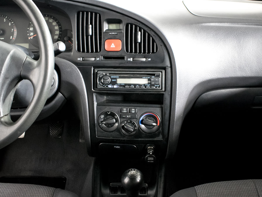 Hyundai Elantra  1.6 с пробегом - 11